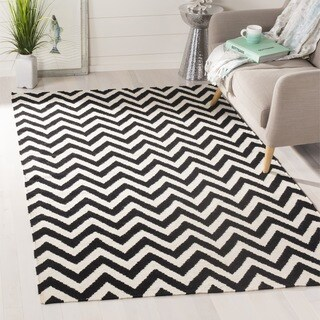 Safavieh Hand-woven Moroccan Reversible Dhurrie Chevron Black/ Ivory Wool Rug (8' Square)