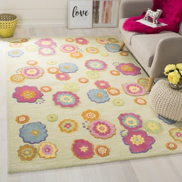 Safavieh Handmade Children's Flowers Green New Zealand Wool Rug (7' Square)