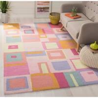 Safavieh Handmade Children's Squares New Zealand Wool Rug (5' x 8') - 5' x 8'