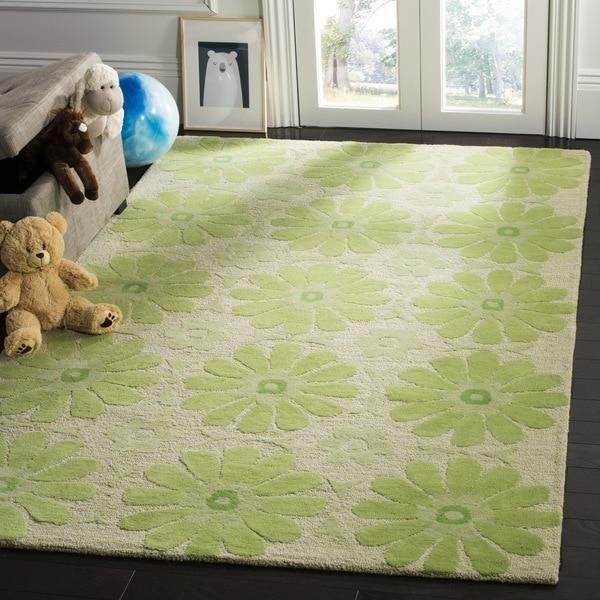 Safavieh Handmade Children's Daisies Green New Zealand Wool Rug - 2' x 3'