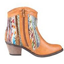 Refresh by Beston Women's 'Makay-02' Tan/ Multi Boots