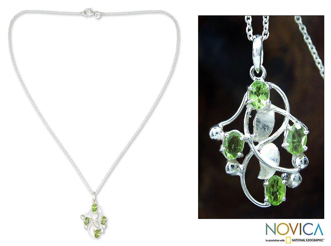 Sterling Silver 'Mumbai Ivy' Peridot Necklace (India)