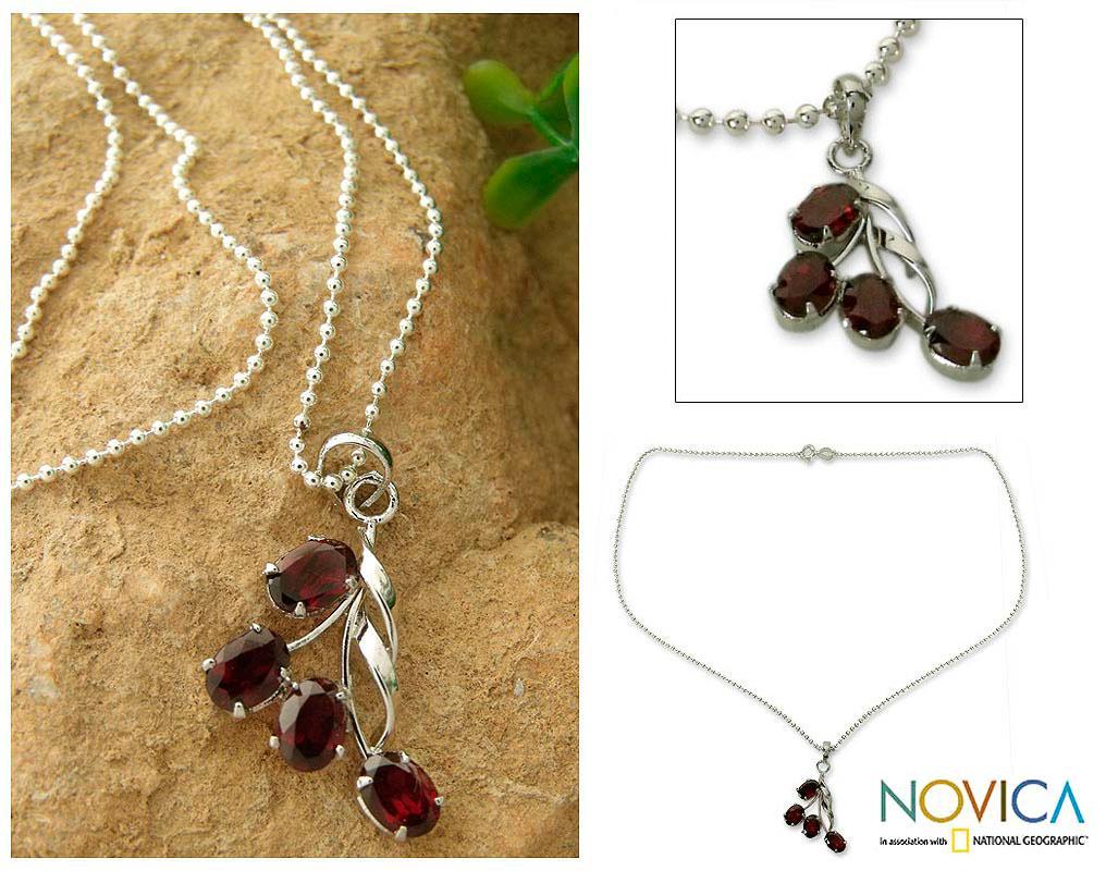 Handmade Sterling Silver 'Temptation' Garnet Necklace (India)