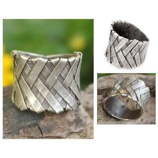 Handmade Sterling Silver 'Mae Ping Hug' Ring (Thailand)