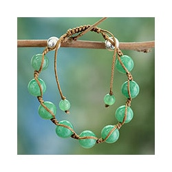Handmade Sterling Silver Meditate Green Gemstone Jade Beaded Bracelet (India)
