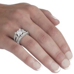Journee Collection Sterling Silver Round-cut Pave-set Cubic Zirconia Bridal Ring Set - Thumbnail 2