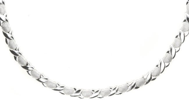 Mondevio Sterling Silver 16-inch Hugs and Kisses Necklace