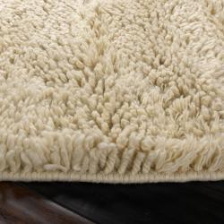 Hand-woven Lakes Ivory Wool Plush Shag Rug (2' x 3') - Thumbnail 2