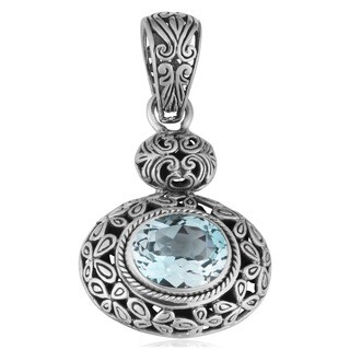 Handmade Blue Topaz Silver 'Cawi' Floral Pendant (Indonesia)