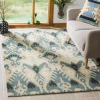 Safavieh Handmade Ikat Silver/ Blue Wool Rug (5' x 8') - 5' x 8'