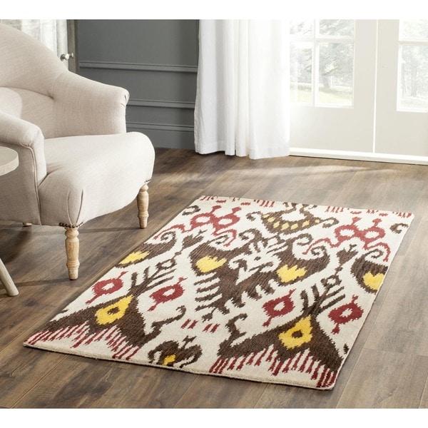 Safavieh Handmade Ikat Beige/ Brown Wool Rug (4' x 6')