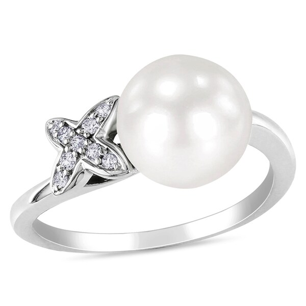 Miadora Sterling Silver Freshwater Pearl and Diamond Ring (H-I, I3)