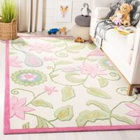 Safavieh Handmade Children's Daisy Ivory New Zealand Wool Rug - 9' x 12'
