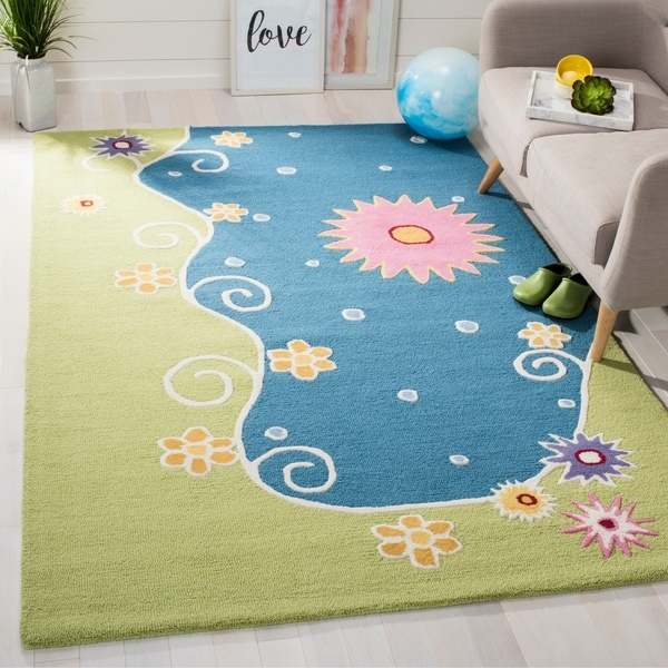 Safavieh Handmade Children's Lily Pond New Zealand Wool Rug - 9' x 12'