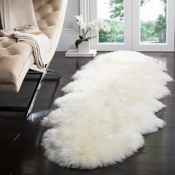 Safavieh Prairie Natural Pelt Sheepskin Wool White Shag Rug (2' x 6')