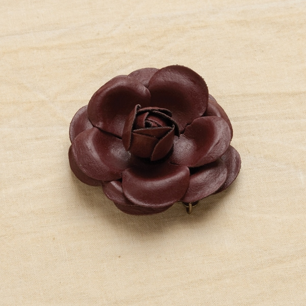 Vintage Groove III Pendant-Leather Rose 1/Pkg