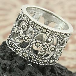 Sterling Silver Marcasite Open Filigree Wide-band Ring (Thailand)