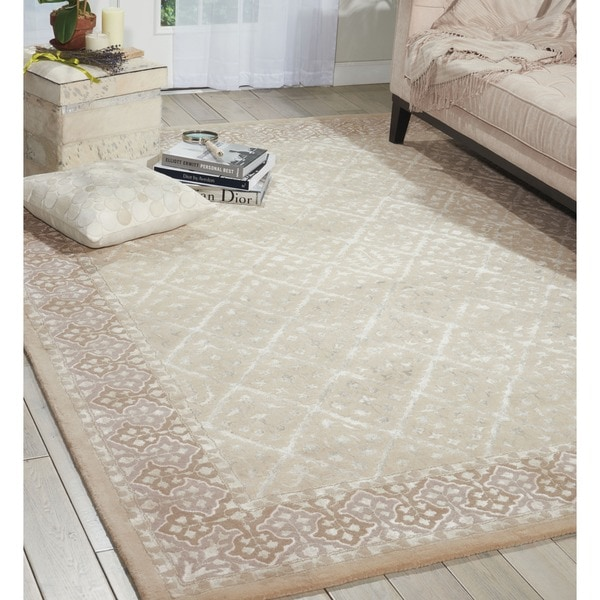 Nourison Hand-tufted Symphony Brocade Bordered Sand Rug (7'6 x 9'6)