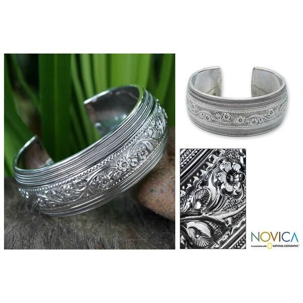 Handmade Sterling Silver 'Floral Imagination' Bracelet (Thailand)