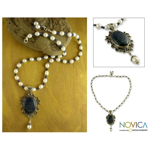 Handmade Sterling Silver 'Ethereal' Pearl Lapis Necklace (6-9 mm) (India)