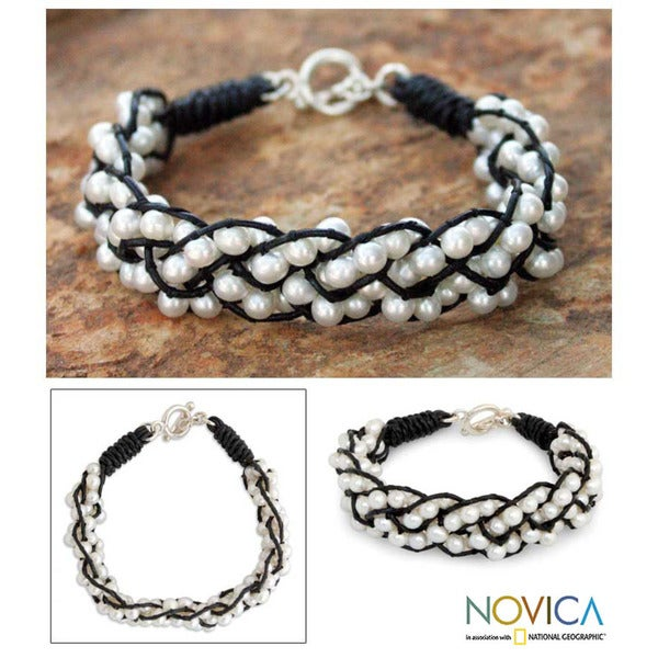 Silver and Leather 'Snowy Paths' Pearl Bracelet (4.5 mm) (Thailand)