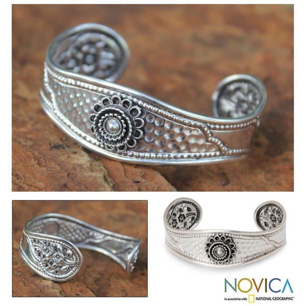 Sterling Silver 'Floral Trio' Bracelet (Thailand)