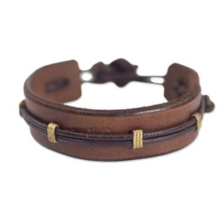 Handcrafted Leather Men's 'Stand Alone in Brown' Bracelet (Ghana)