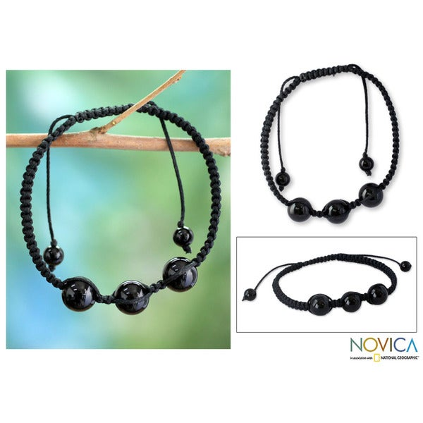 Handcrafted Cotton 'Tranquil Protection' Onyx Bracelet (India)