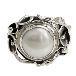 Handmade Nest Of Lilies Artisan Fashion Accessory Vintage Flower Sterling Silver White Pearl Gemstone Jewelry Ring (Indonesia)