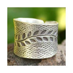 Sterling Silver 'Leaf Garland' Ring (Thailand)