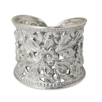 Handmade Sterling Silver Mae Ping Jasmine Blossom Grace White Ring (Thailand)