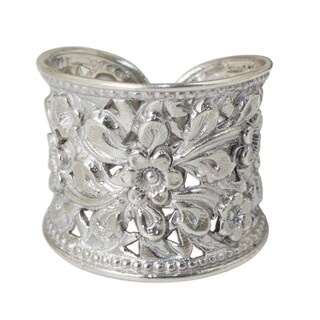 Handmade Sterling Silver Mae Ping Jasmine Blossom Grace White Ring (Thailand) (3 options available)