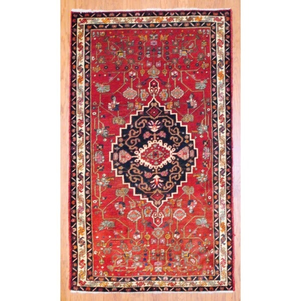 Persian Hand-knotted Bakhtiari Red/ Ivory Wool Rug (4'5 x 7'7)