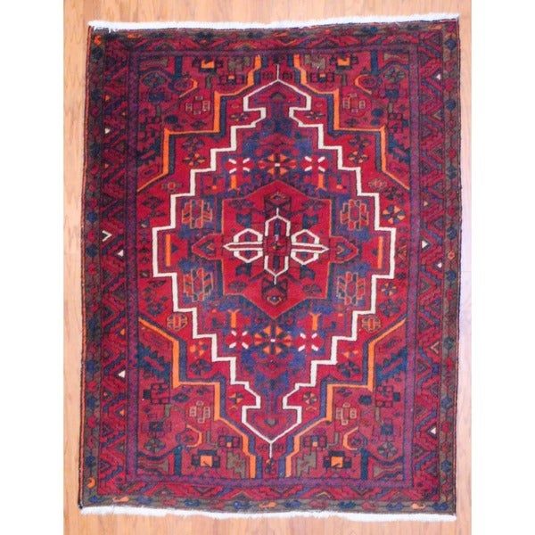 Persian Hand-knotted Hamadan Red/ Navy Wool Rug (5' x 6'5)