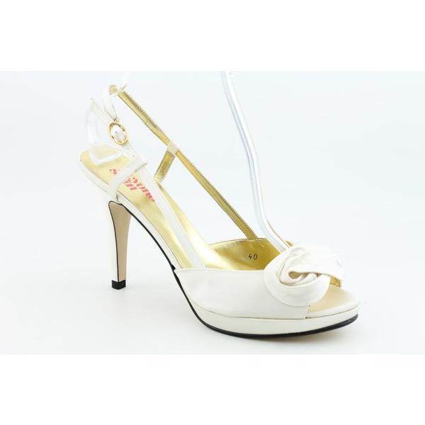 Beyond Skin Women's 'Marie Rose' Satin Dress Shoes (Size 11)