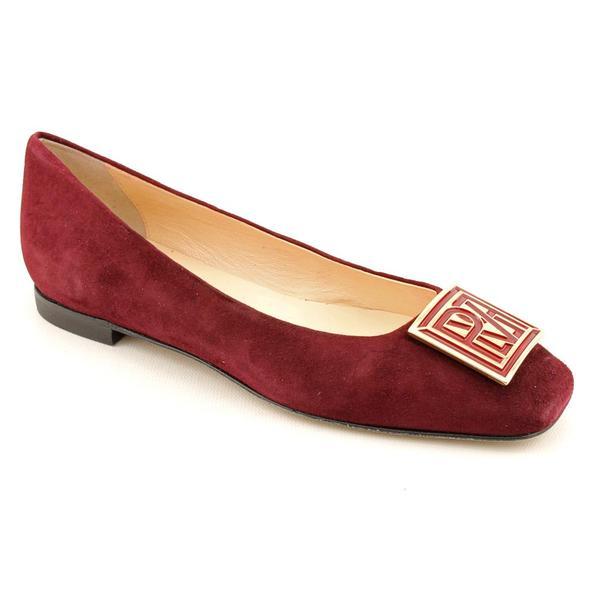 Pour La Victoire Women's 'Venezia' Regular Suede Casual Shoes