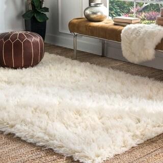nuLOOM Hand-woven Alexa Flokati Natural Wool Shag Rug (6' x 9')