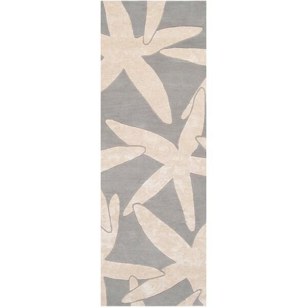 Hand-tufted Moseis Grey Beach Inspired Wool Rug (2'6 x 8')