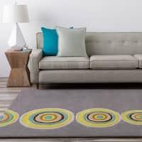 Hand-tufted Omak Grey Geometric Circles Wool Area Rug - 2' x 3'