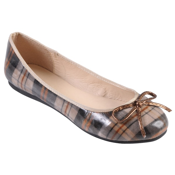 Journee Collection Women's 'Bridge' Round Toe Bow Accent Flats