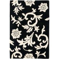 Safavieh Handmade Soho Sillo Black New Zealand Wool Rug - 2'6 x 4'