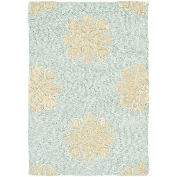 Safavieh Handmade Soho Medallion Light Blue Wool Rug - 2'6' x 4'