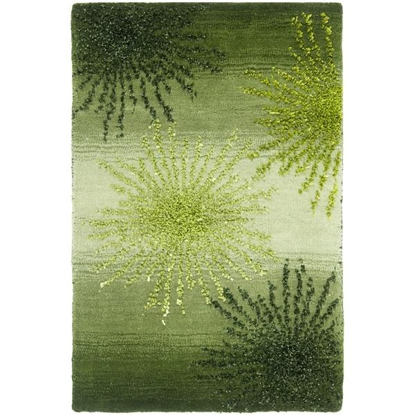 "Safavieh Handmade Soho Burst Green New Zealand Wool Rug - 2'6"" x 4'"