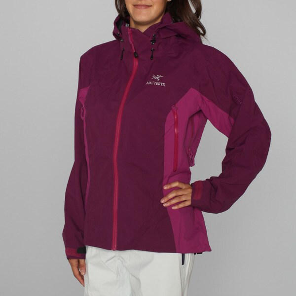 Arc'teryx Women's 'Beta AR' Magenta Ski Jacket