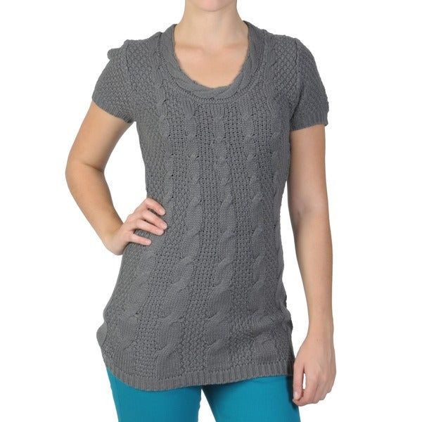 Journee Collection Juniors Short-Sleeve Cable-Knit Scoop-Neckline Tunic Sweater