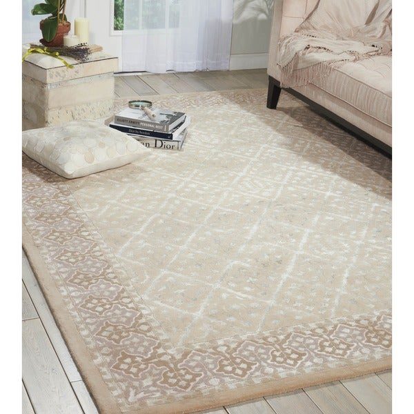 Nourison Hand-tufted Symphony Brocade Bordered Sand Rug (9'6 x 13'6)