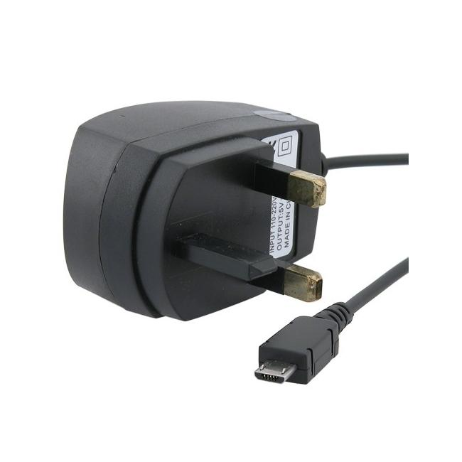 INSTEN Micro USB UK Travel Charger for Motorola Droid X MB810