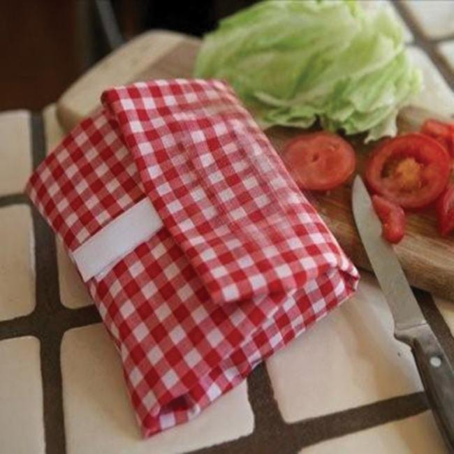 Wrap and Mat Gingham Sandwich Wraps