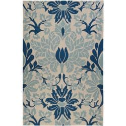 Hand-hooked Bliss Off-white Indoor/Outdoor Floral Rug (5' x 8')