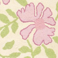 Safavieh Handmade Children's Flowers Ivory New Zealand Wool Rug (5' x 8')